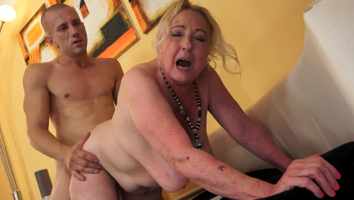 Зрелые дамы с большими грудями